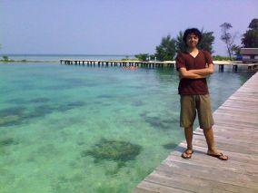 Febri di atas Jembatan Cinta, Pulau Tidung.