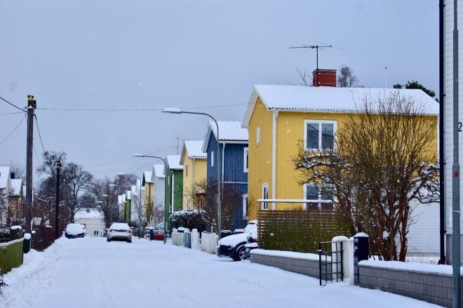 01-salju-di-perumahan