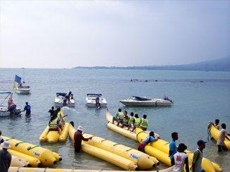Penyewaan banana boat.