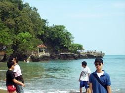 Asrinya Pantai Karang Bolong.